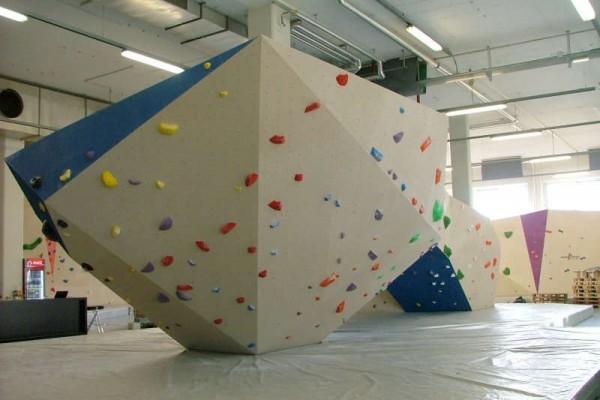 Climb Corner Bulder
